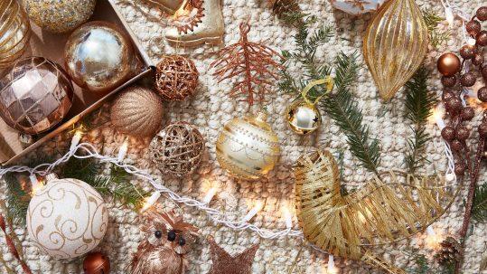 5-colour-schemes-for-a-unique-christmas-home-design11