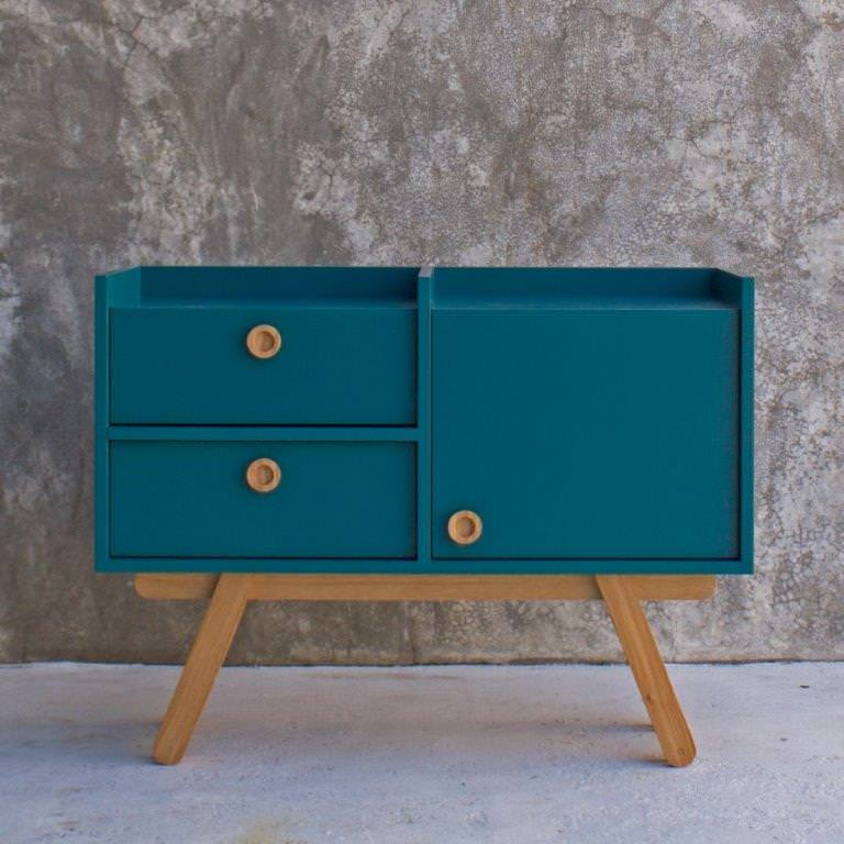 The Bracara Sideboard, a piece that combines tradicional craftsmanship and contemporary design, conveys a solid and classy appearance with a touch of playfulness. The design (...)