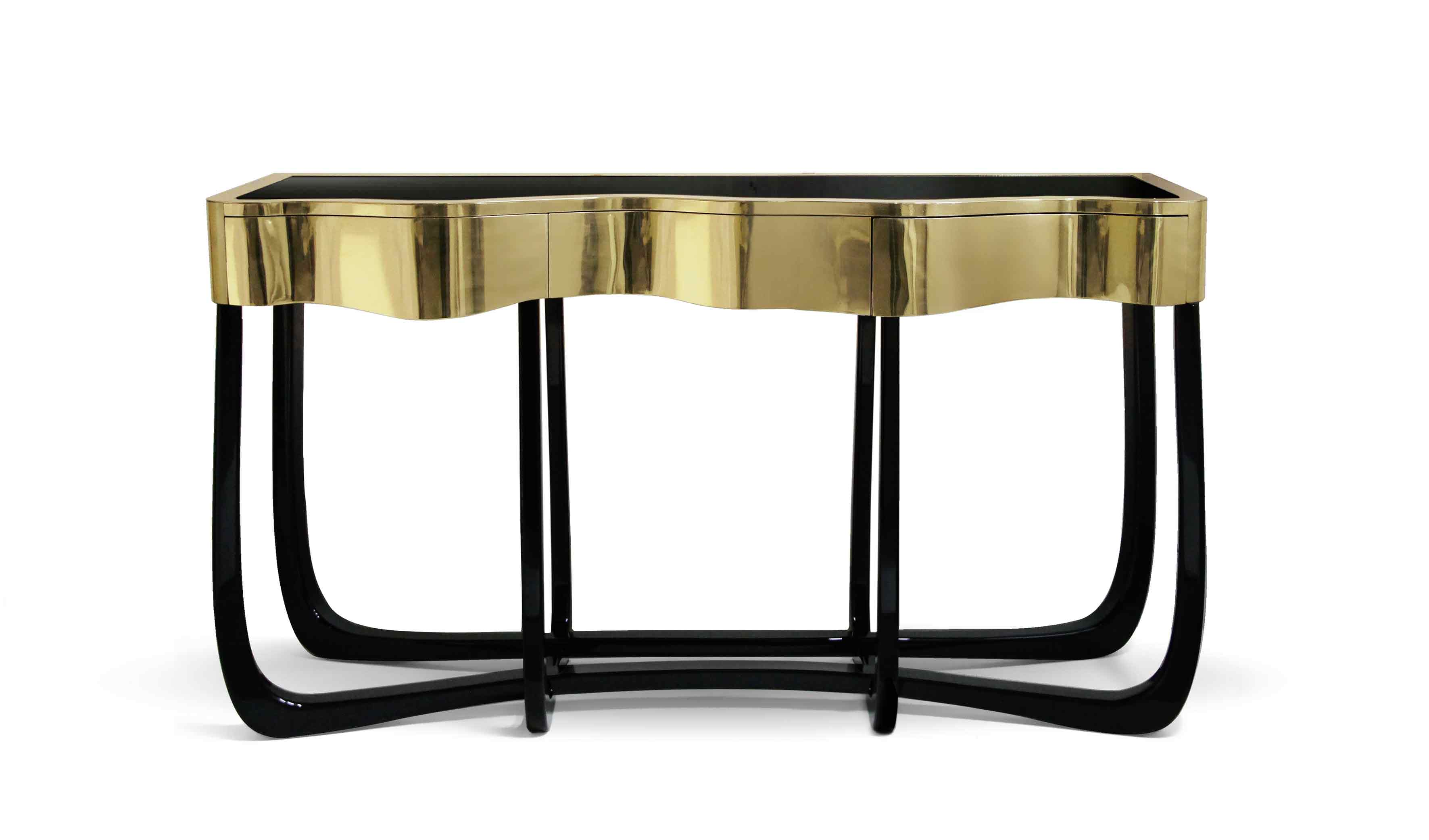With Sinuous Console you will successfully create a luxurious environment. Sinuous lines draw the elegant character of this console, gathering the styling of the best sellers (...)