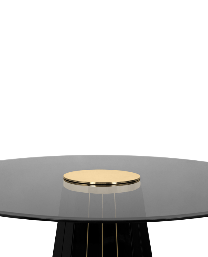 Darian Dinning Table